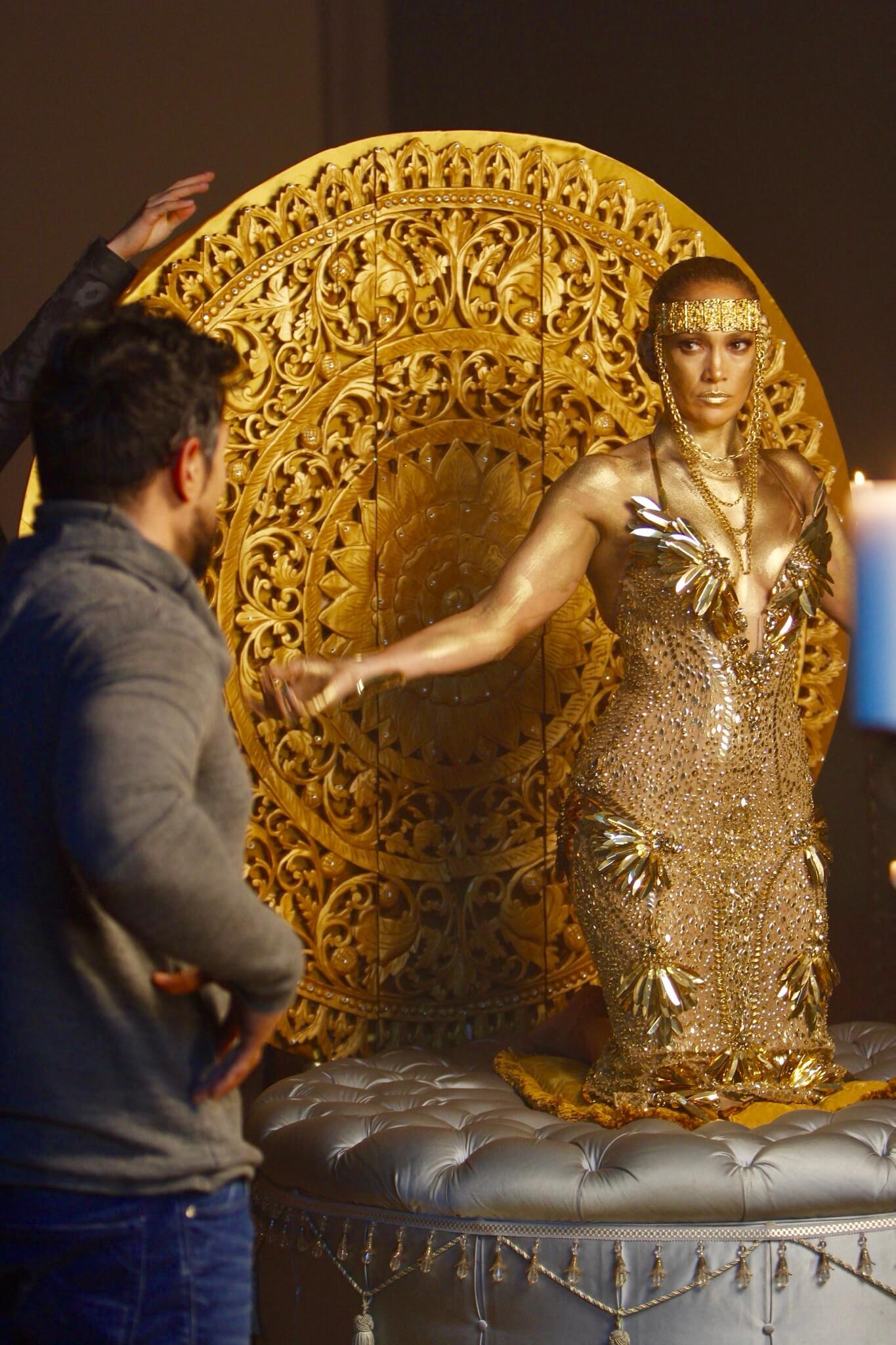Jennifer-Lopez-El-Anillo-Salviche-16